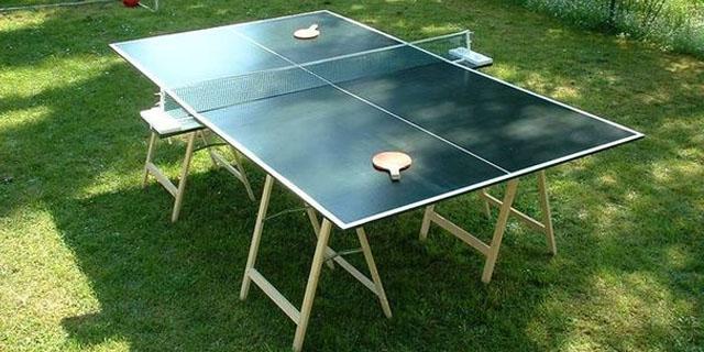 mesa de ping pong con caballetes