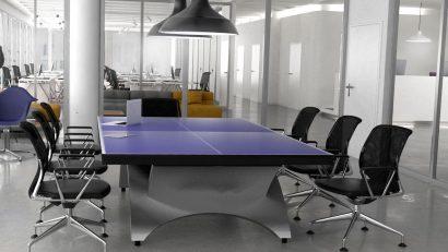 mesa de ping pong en oficina corporativa